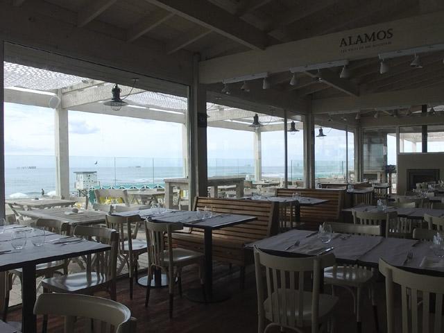 Restaurante Interior con vista al mar